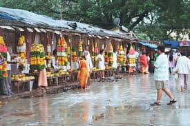 Ganeshpuri flower vendors