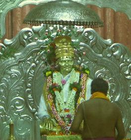 Ntyananda Murti in the Samadi Mandir Temple cropped
