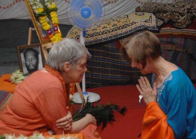 Matrika at darshan 1502