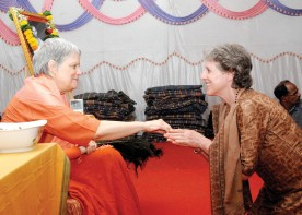 Swamiji and SheynaPurna (Sandy) Peace