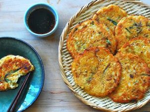 566028bfe2c4a863e79999aceb0ff8fc--korean-food-recipes-savory-pancakes